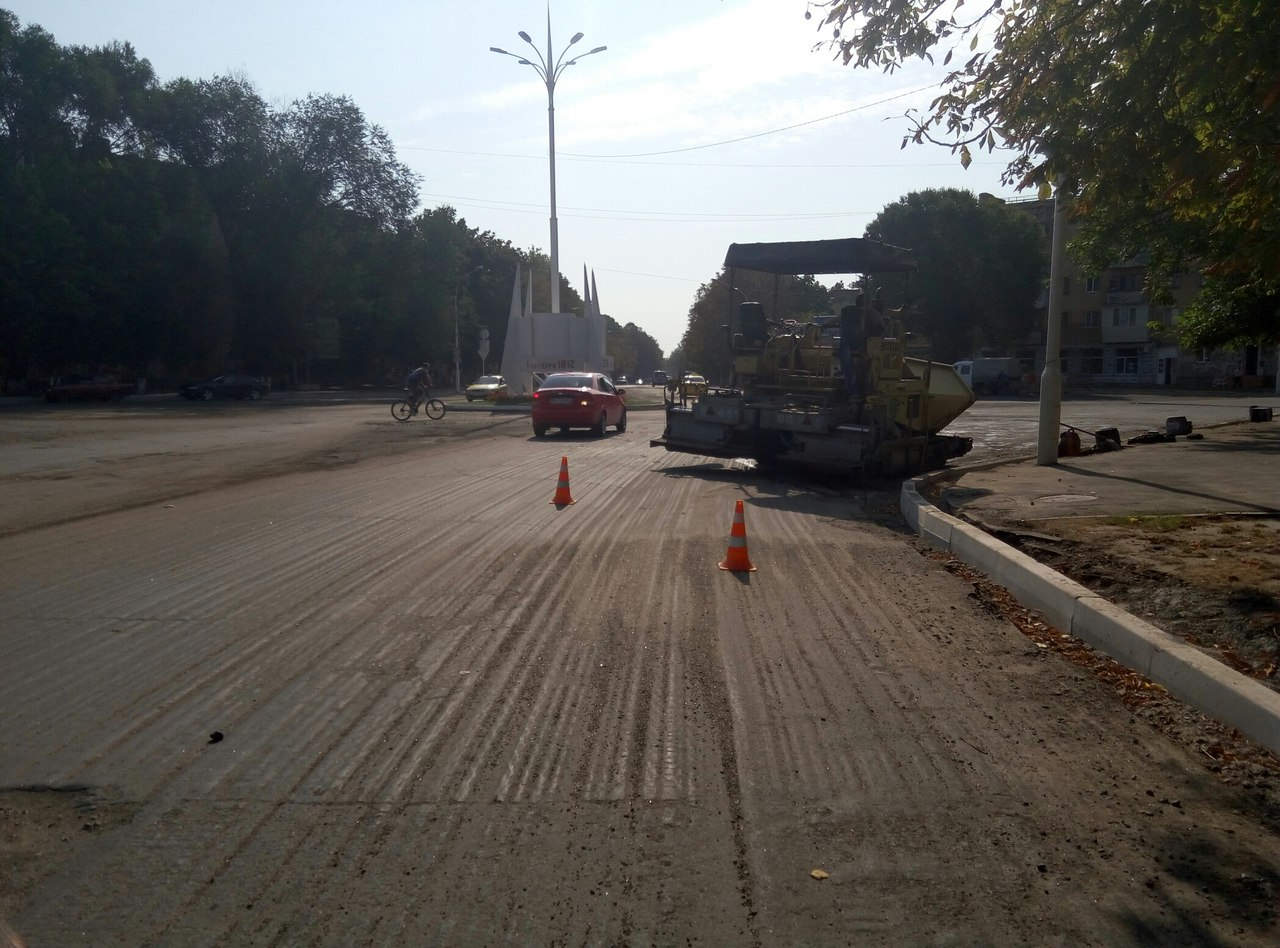 В Измаиле продолжается ремонт площади Мира (фото)