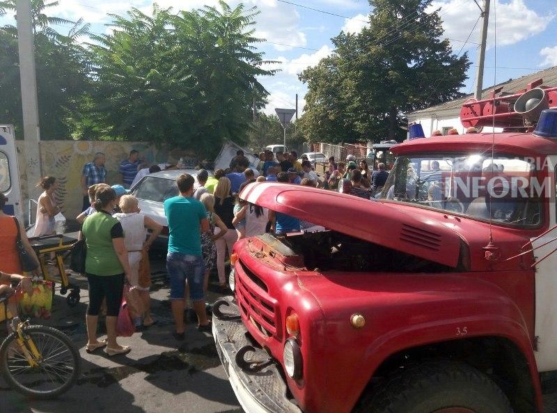 aBcpqR1TX6U Серьезная авария в Измаиле: зажатую в машине женщину доставали два часа (ФОТО)