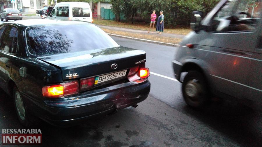 m9Zgob6uWJU Измаил: на проспекте Суворова произошло ДТП с участием трех автомобилей (фото)