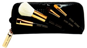 original-221264-300x167 Атрибуты превращения: кисти для макияжа от Bobby Brown