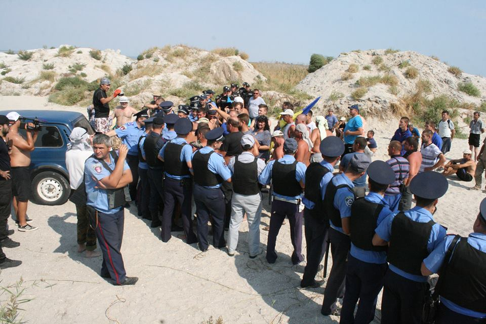 """14322470_590862891099807_4936090765746258362_n Браконьеры под прикрытием полиции не дают руководству НПП """"Тузловские лиманы"""" выполнять их обязанности"""
