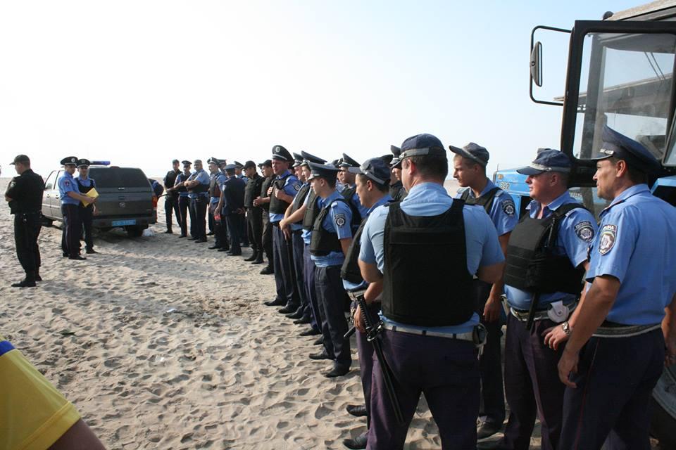 """14354974_590862637766499_6569060732905627130_n Браконьеры под прикрытием полиции не дают руководству НПП """"Тузловские лиманы"""" выполнять их обязанности"""