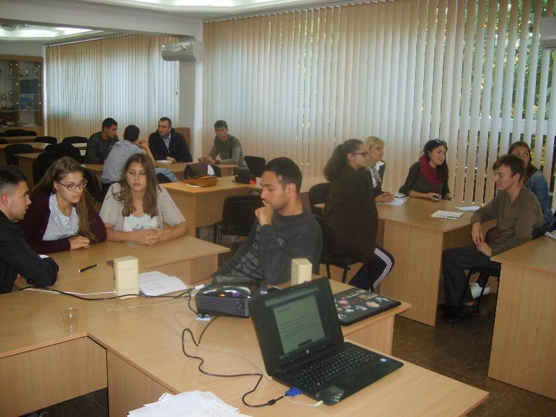 Измаил: в ИГГУ волонтеры учили студентов создавать социальные проекты (ФОТО)