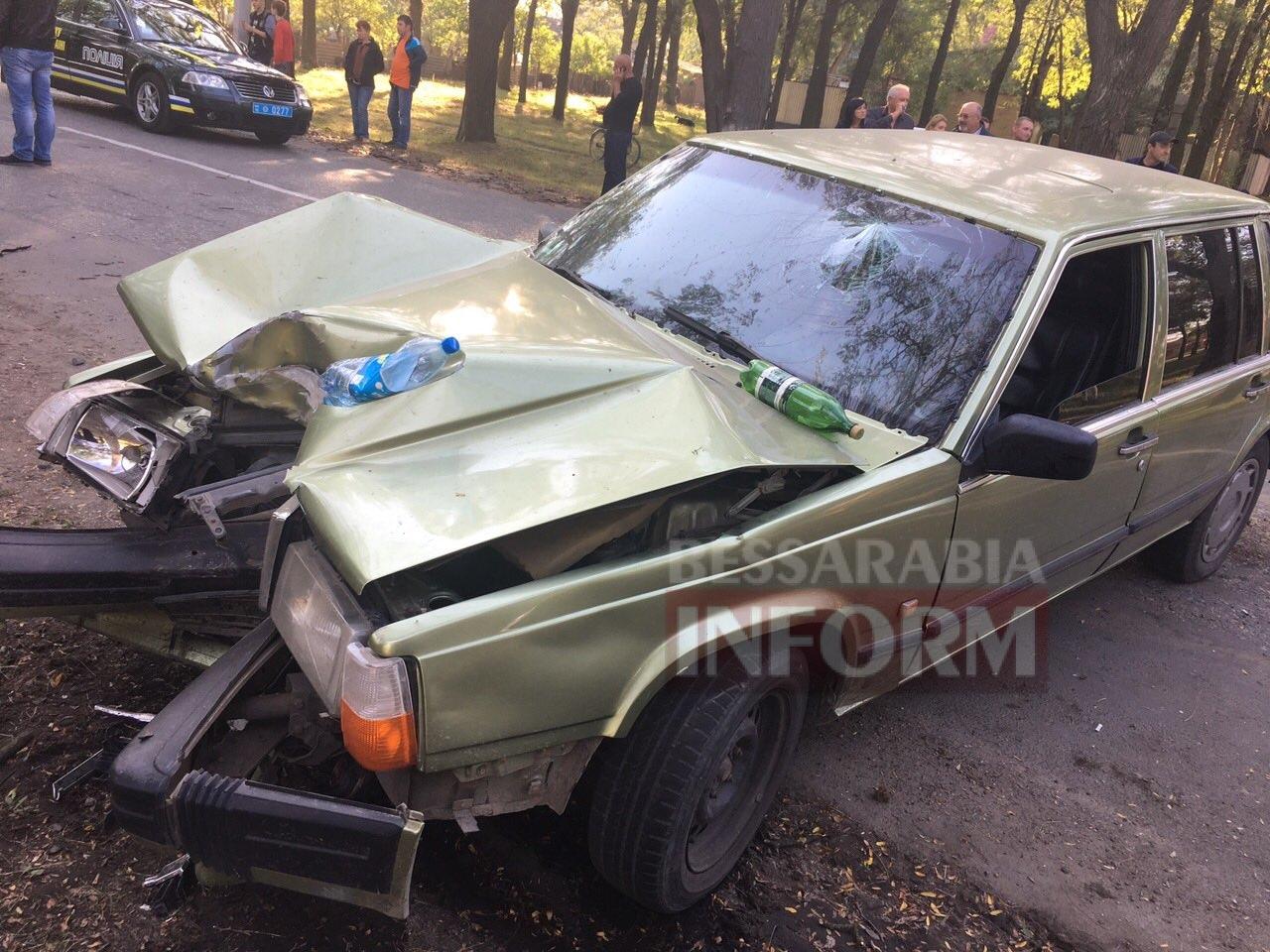 57ed192c4b12f_63464 Измаил: на проспекте Суворова произошло смертельное ДТП (фото)