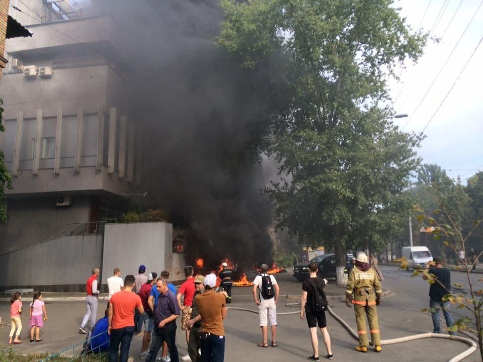 8e70b551dbf2d24718b7c4dfb0_60060638 В Киеве подожгли студию телеканала Интер, есть пострадавшие