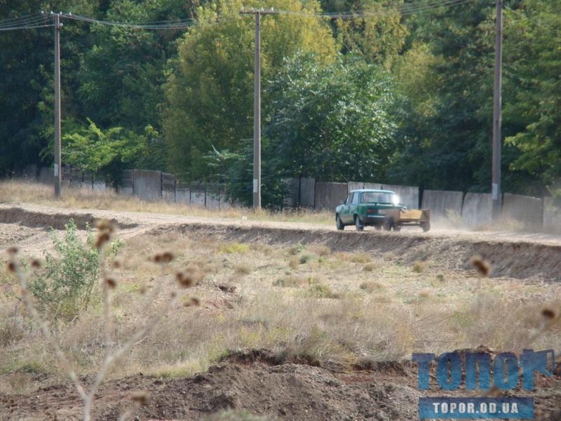 Gravij-4 Жители Рени незаконно добывают гравий (ФОТО)