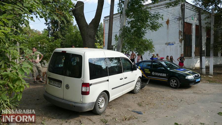 HeUTs9nmDL8 Измаил: пьяный водитель, пытаясь скрыться от погони, врезался в электроопору (ФОТО)