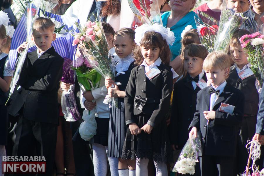IMG_0700 1 сентября в школах Измаила раздался первый звонок (фоторепортаж)