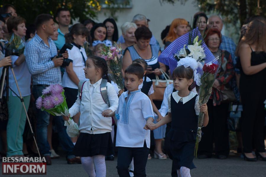 IMG_0761 1 сентября в школах Измаила раздался первый звонок (фоторепортаж)