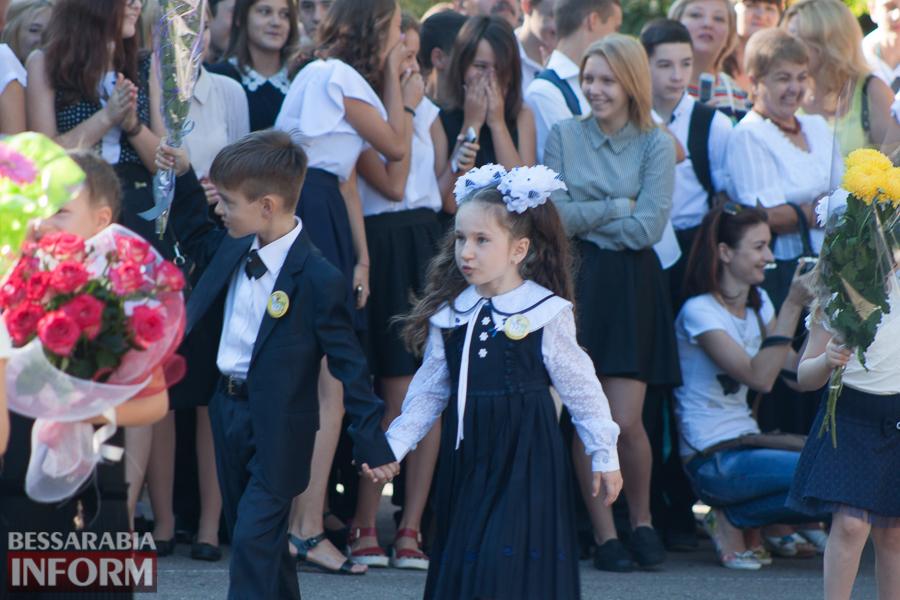 IMG_0788 1 сентября в школах Измаила раздался первый звонок (фоторепортаж)