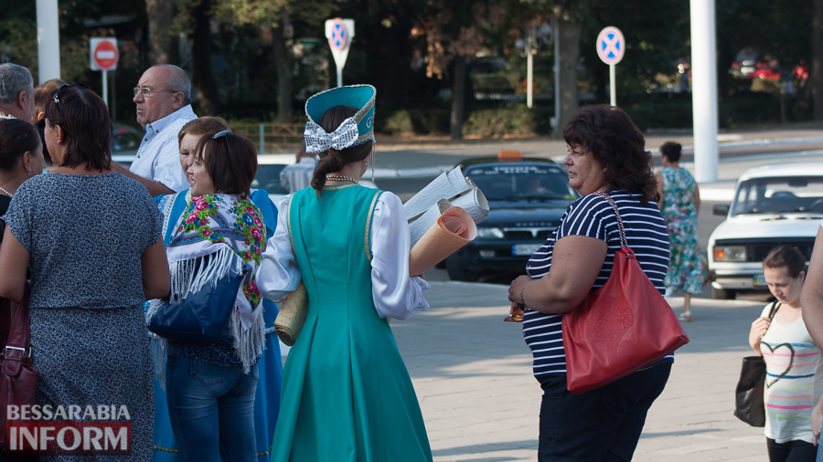 IMG_1563 В Измаиле прошел митинг в кокошниках: районные культработники выступили против действий РГА (ФОТО)