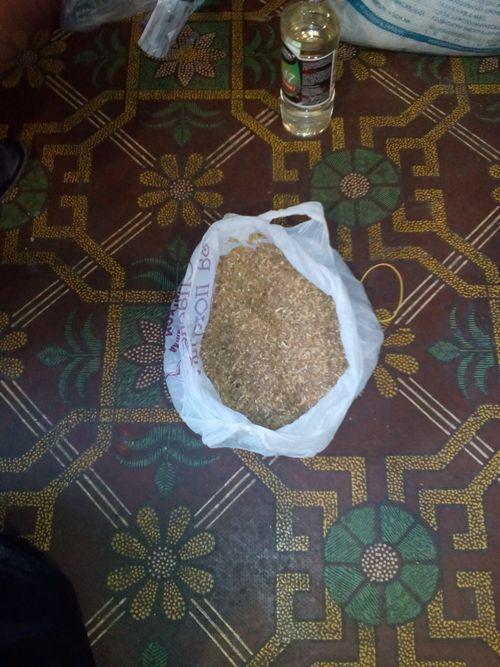 IMG_20160906_073909 При обыске у жительницы Килии обнаружили 22 литра опия и другие наркотические средства (ФОТО)
