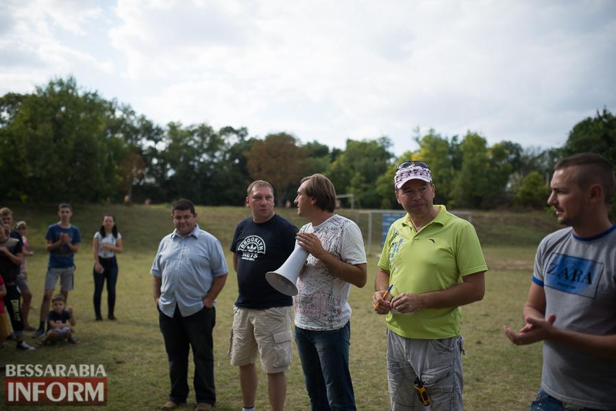 В Измаиле во второй раз состоялся чемпионат по метанию мобильных телефонов (фото)