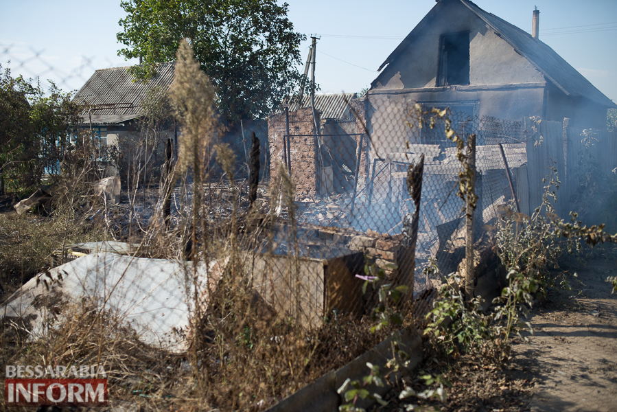 SME_3808 Измаил: последствия пожара на улице Некрасова (фото)