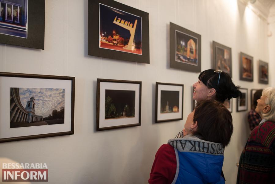 """""""Измаил в свете вечерних огней"""": в городе прошла презентация уникальной фотовыставки (ФОТО)"""