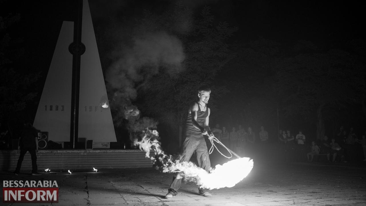 SME_5279 ФОТОРЕПОРТАЖ: зрелищное фаер-шоу прошло в Измаиле на набережной
