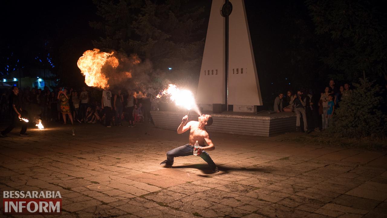 SME_5370 ФОТОРЕПОРТАЖ: зрелищное фаер-шоу прошло в Измаиле на набережной