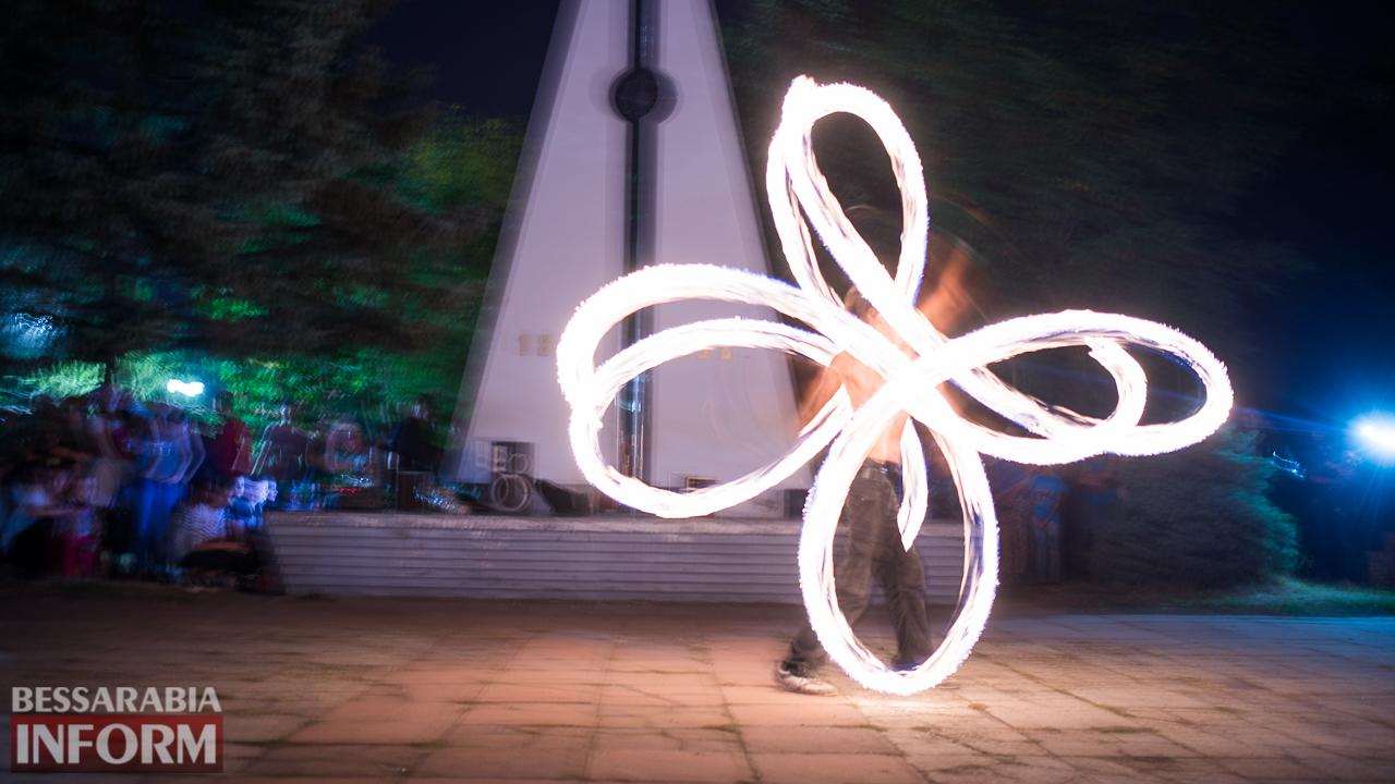 SME_5446 ФОТОРЕПОРТАЖ: зрелищное фаер-шоу прошло в Измаиле на набережной