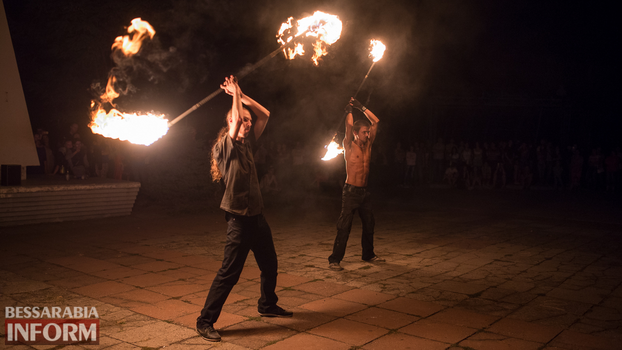 SME_5490 ФОТОРЕПОРТАЖ: зрелищное фаер-шоу прошло в Измаиле на набережной