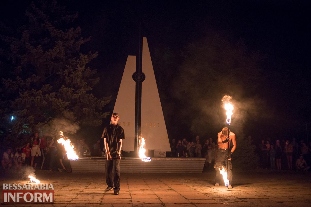 SME_5501 ФОТОРЕПОРТАЖ: зрелищное фаер-шоу прошло в Измаиле на набережной