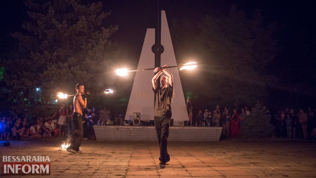 SME_5549 ФОТОРЕПОРТАЖ: зрелищное фаер-шоу прошло в Измаиле на набережной