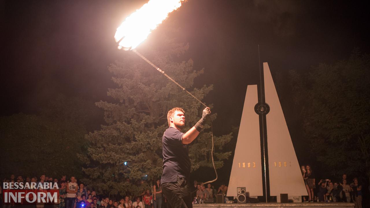 SME_5572 ФОТОРЕПОРТАЖ: зрелищное фаер-шоу прошло в Измаиле на набережной