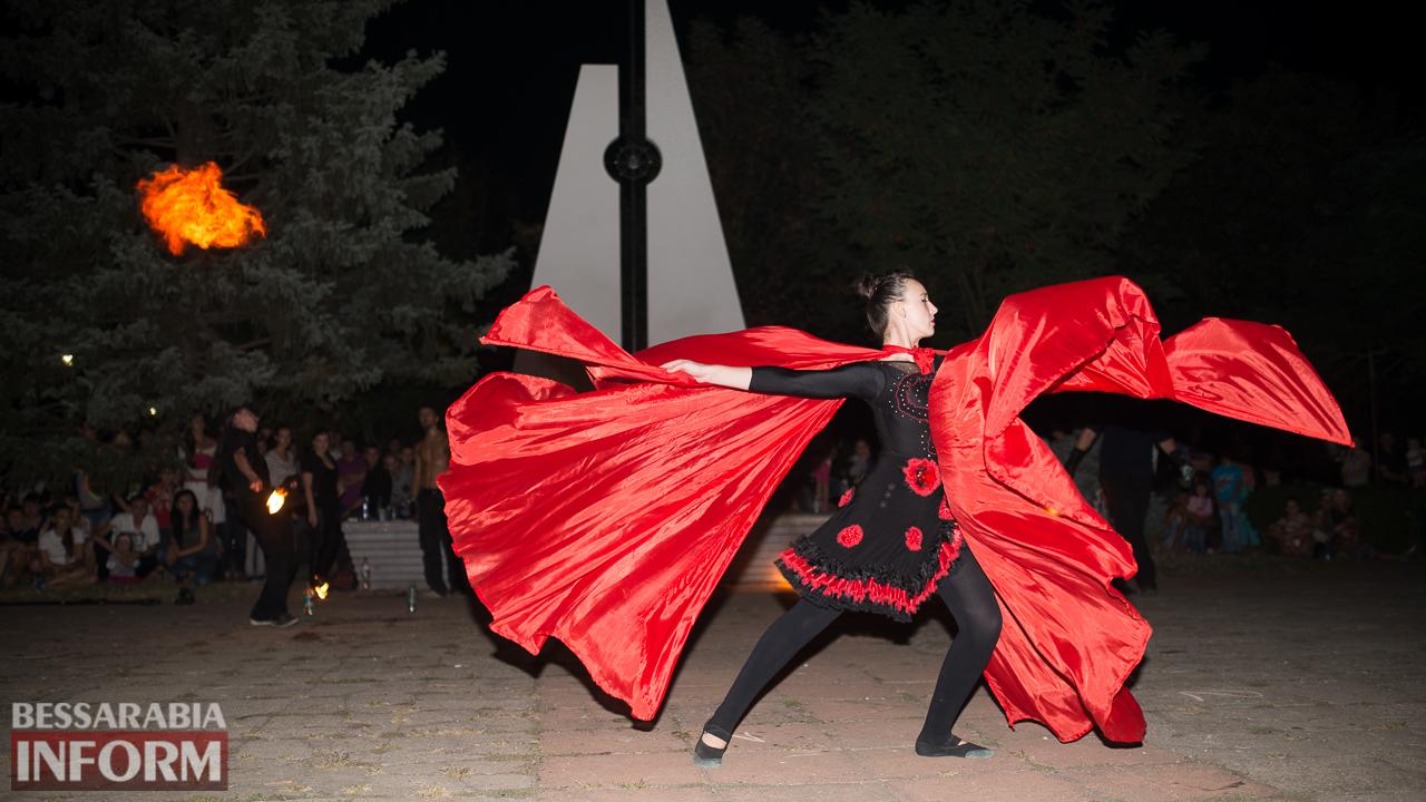 SME_5630 ФОТОРЕПОРТАЖ: зрелищное фаер-шоу прошло в Измаиле на набережной