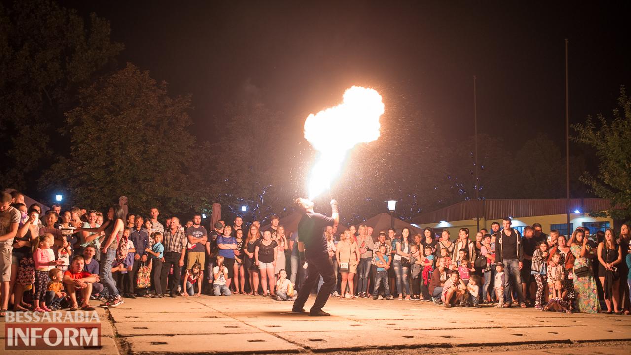 SME_5766 ФОТОРЕПОРТАЖ: зрелищное фаер-шоу прошло в Измаиле на набережной