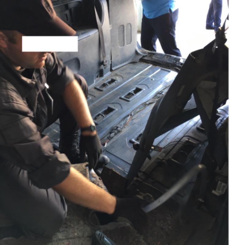 Пограничники Измаильского отряда обнаружили тайник в иностранном автомобиле (ФОТО)