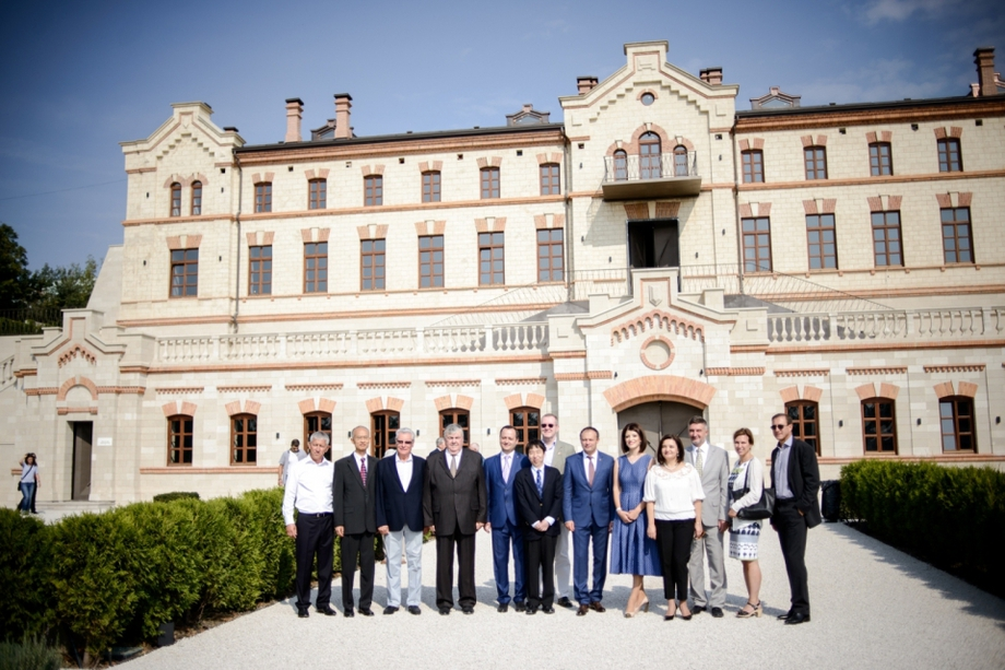 i-2 В Молдове отреставрировали винный замок построенный по инициативе последнего губернатора Бессарабии