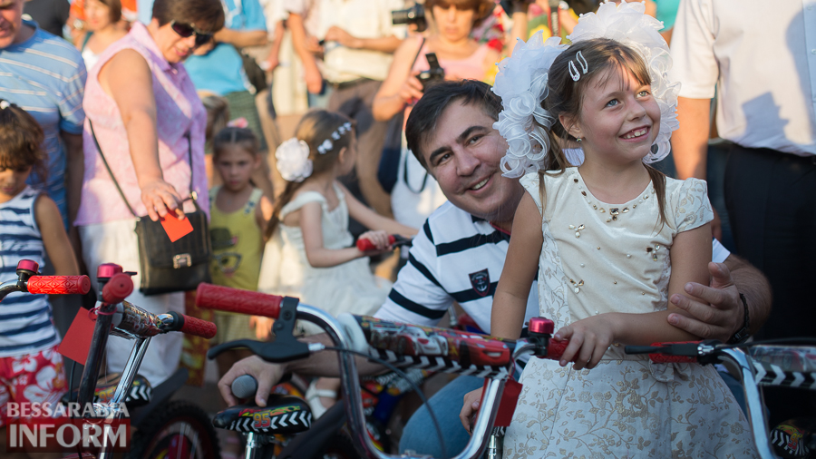 """Измаил: """"губернаторские"""" велосипеды - маленьким жертвам ротавируса (ФОТО)"""