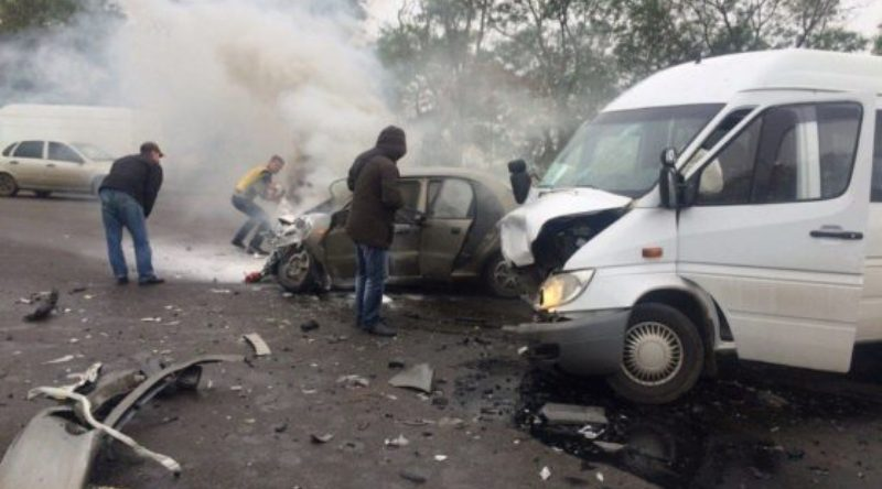 На трассе Одесса-Рени в результате лобового столкновения сгорел автомобиль. Водитель погиб