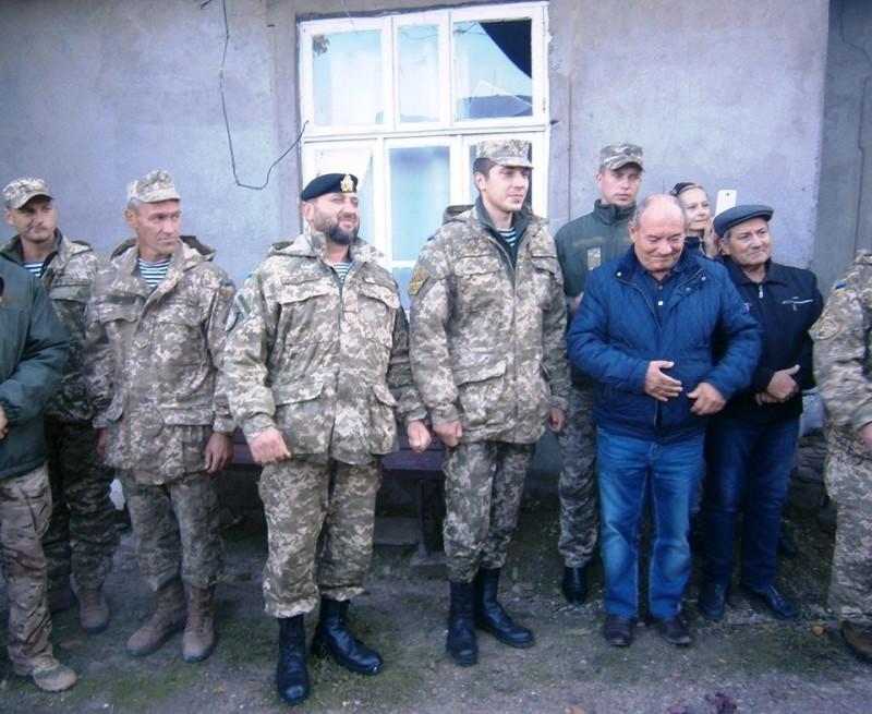 864-e1476534585767 Киборг из Сараты получил новую квартиру - ключи вручал лично губернатор (фото)