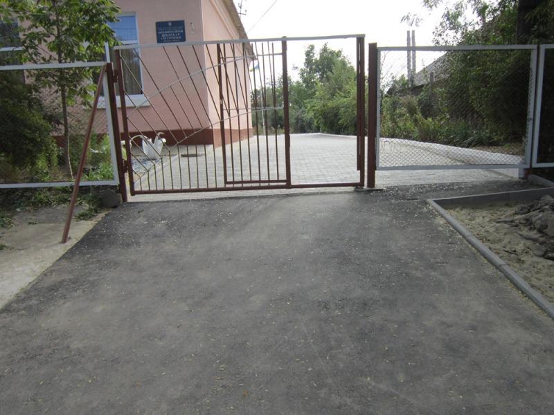В Рени благоустроили территорию школы №5 (ФОТО)