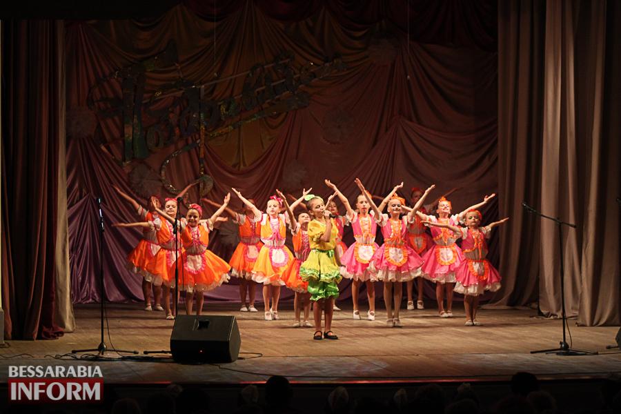 IMG_2789 С благодарностью за знания: в Измаиле состоялся праздничный концерт ко Дню учителя (ФОТО)