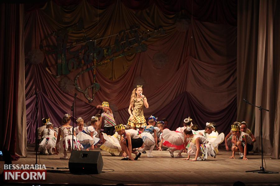 IMG_2790 С благодарностью за знания: в Измаиле состоялся праздничный концерт ко Дню учителя (ФОТО)