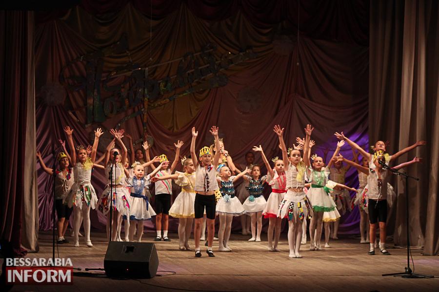 IMG_2791 С благодарностью за знания: в Измаиле состоялся праздничный концерт ко Дню учителя (ФОТО)