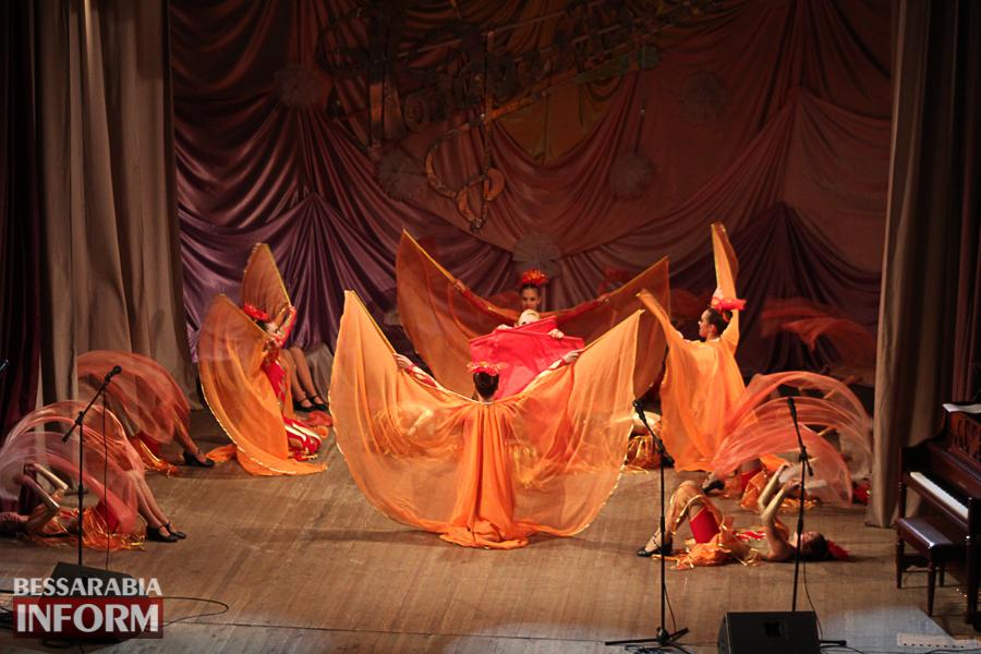 IMG_2809 С благодарностью за знания: в Измаиле состоялся праздничный концерт ко Дню учителя (ФОТО)