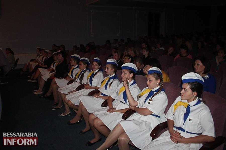 IMG_2817 С благодарностью за знания: в Измаиле состоялся праздничный концерт ко Дню учителя (ФОТО)