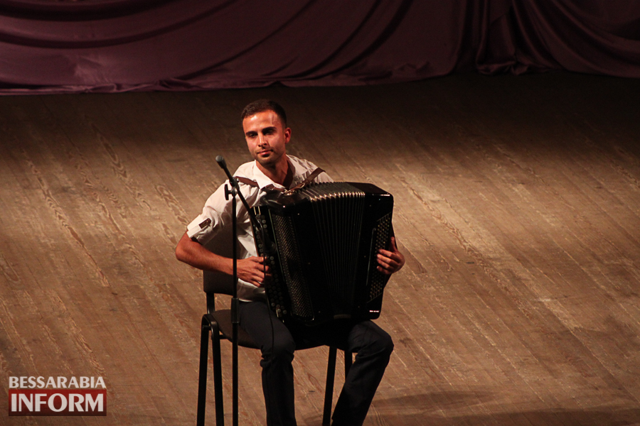 IMG_2822 С благодарностью за знания: в Измаиле состоялся праздничный концерт ко Дню учителя (ФОТО)