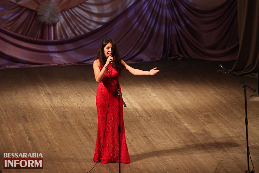 IMG_2840 С благодарностью за знания: в Измаиле состоялся праздничный концерт ко Дню учителя (ФОТО)