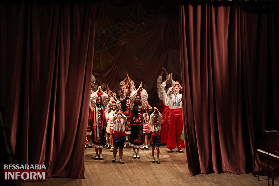 IMG_2865 С благодарностью за знания: в Измаиле состоялся праздничный концерт ко Дню учителя (ФОТО)