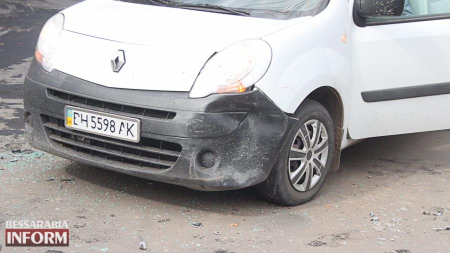 IMG_2901 В Измаиле произошло ДТП с участие трех автомобилей (фото)