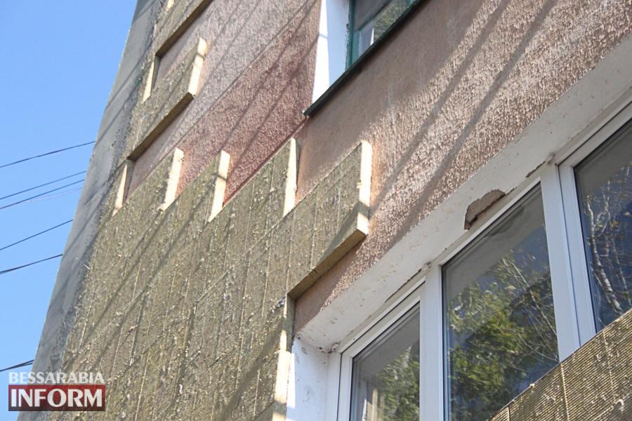 IMG_3394 Ремонт жилого фонда в Измаиле: многоэтажки утепляют минватой и красят в пастельные тона (ФОТО)