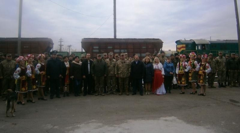 pa200077 В Сарату из зоны АТО вернулись военнослужащие 18-го отдельного мотопехотного батальона
