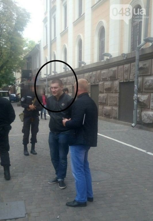 prestupnik В Одессе возмущенный пассажир расстрелял из пистолета маршрутку