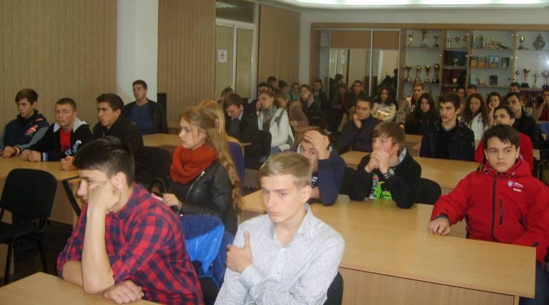 studenty-IGGU В ИГГУ состоялась встреча студентов с воинами АТО