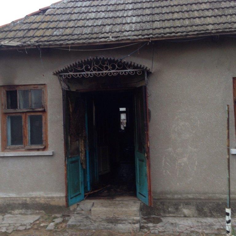 Белгород-Днестровский: на месте пожара спасатели обнаружили погибшего мужчину (ФОТО)