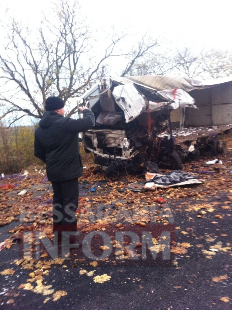 1346-765x1024 На трассе Одесса-Рени произошло смертельное ДТП с участием двух грузовиков (фото)