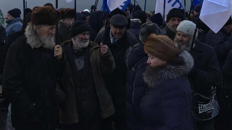 """15107363_1308150615903991_5853972439337147275_n Журналисты: происходящее в Киеве пока не сильно напоминает начало нового """"Майдана"""""""